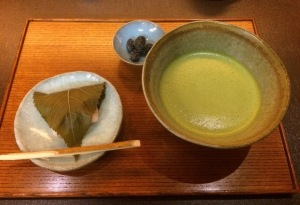 桜餅と抹茶